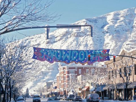 Caprichos, almuerzos y desfile de luces durante el evento invernal Snowdown en Durango